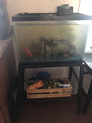 Fish tank 20 gal with stand for Sale in North Highlands, CA