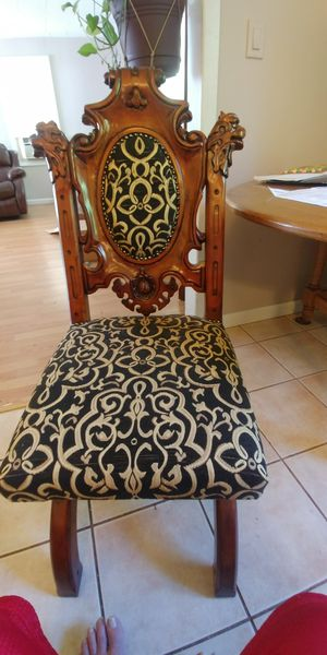 Design toscano dining chairs for Sale in Clare, MI