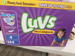 Luvs size 4 diapers for Sale in El Monte, CA