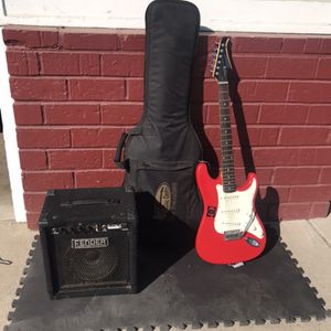 Silvertone Electric Guitar and amp for Sale in Sacramento, CA