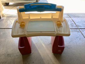 Step 2 toddler desk for Sale in Sun City, AZ
