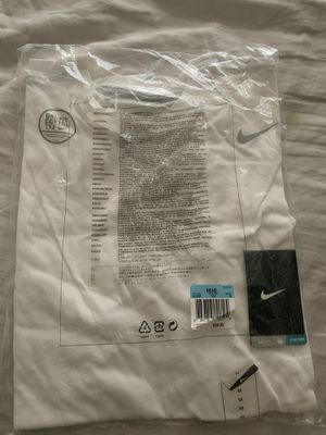 White nike tee shirt m for Sale in Redlands, CA