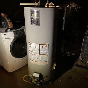 50 gallon water heater for Sale in Riverside, CA