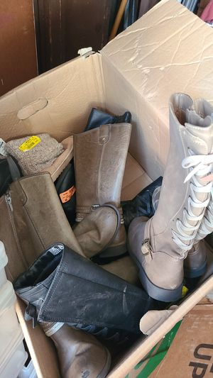 Free shoes that need some repair for Sale in Inglewood, CA