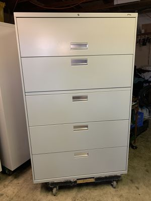 Filing cabinet for Sale in Moreno Valley, CA