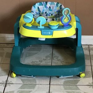 LIKE NEW SAFETY 1ST BABY WALKER for Sale in Jurupa Valley, CA