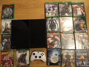 Xbox one - 34 games - Controller - for Sale in Kirkland, WA