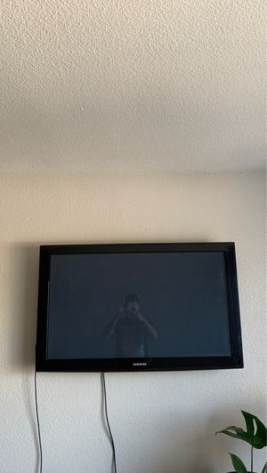 2015 50 INCH SAMSUNG TV. WALL MOUNT INCLUDED for Sale in Tempe, AZ
