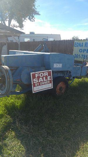 Square Hay Baler OBO!!! for Sale in Edna, TX