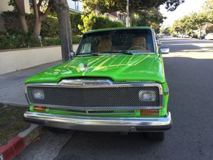 87 Jeep Grand Wagoneer for Sale in Los Angeles, CA