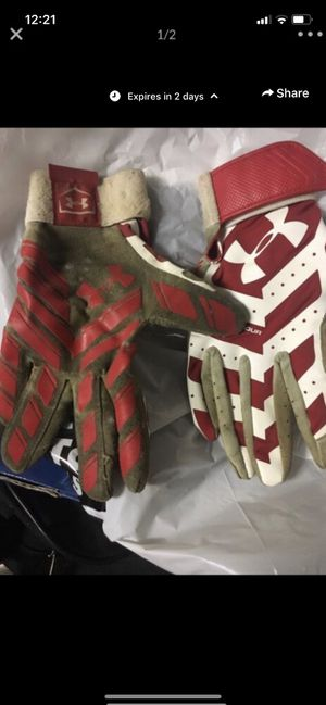 Baseball gloves for Sale in Queens, NY