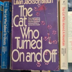 The Cat Who Turned On And Off Lillian Jackson Braun, Paperback for Sale in Auburn, WA