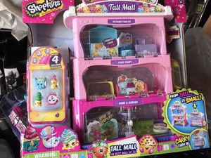 Shopkins Tall Mall playset set carry case for Sale in Lynwood, CA