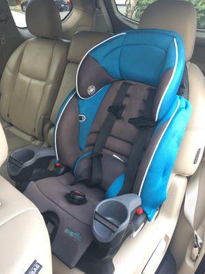 Evenflo Maestro Booster car seat thunder for Sale in Miami, FL