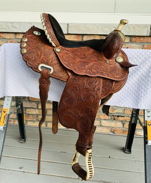 Circle Y barrel racing saddle. In excellent condition! for Sale in Sarasota, FL
