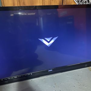 Tv Bundle for Sale in Saugus, MA