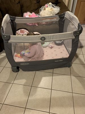 Play pin with changing table for Sale in Elizabeth, NJ