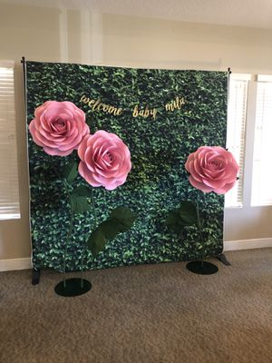 Three giant paper roses in pink (with stems and stands) for Sale in Westchase, FL