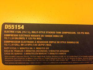 Dewalt 4 gallon air compressor for Sale in Eugene, OR