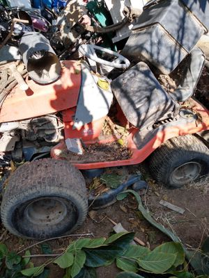 Lawn tractor for Sale in Bakersfield, CA