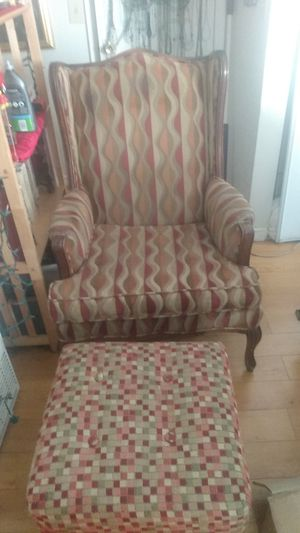 Antique chair and ottomon for Sale in Glendora, CA