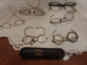 Very old eye glasses for Sale in Davenport, IA