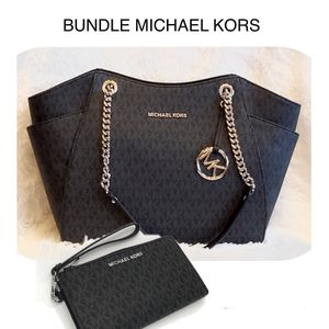 BUNDLE MICHAEL KORS 2 PC Brand New Signature Logo Print PVC Leather Silver Hardware Tote Shoulder Bag with matching DOUBLE ZIP phone case holder Wall for Sale in Plymouth, MI