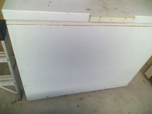 Chest Freezer gets ice cold 7 cubic ft for Sale in San Antonio, TX