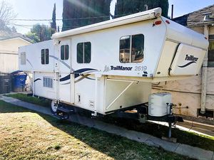 Trailmaner folding easy tow camper 2001 rv for Sale in Loma Linda, CA