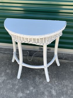 Wicker Table for Sale in Lorena,  TX