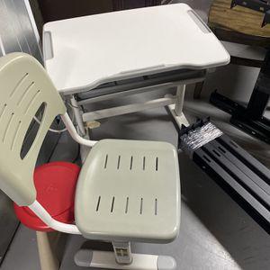 Kids Adjustable Desk for Sale in Atlanta, GA