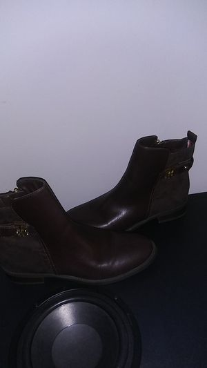 Tommy Hilfiger Irsela Zip Up Ankle Heel Boots, Dark Brown for Sale in Anaheim, CA