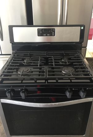 Whirlpool gas stove for Sale in Philadelphia, PA