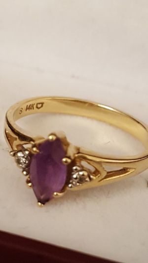 Precious Ring, 14k Real gold, Real Diamonds, Amethyst stone, 2.46grs Sz6, precious 14k real gold Ring. for Sale in Fort Mitchell, KY
