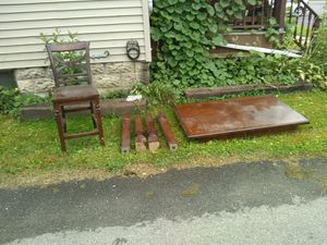 Table and chairs antique for Sale in South Williamsport, PA