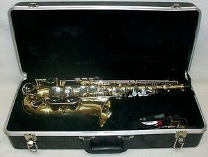 Selmer AS 300 Student Alto Saxophone with Case (s/n 1306861) for Sale in Los Angeles, CA
