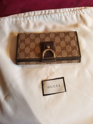 GUCCI WOMEN WALLET for Sale in Kensington, MD