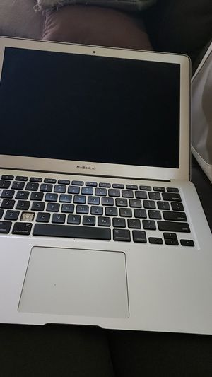 Macbook air 450.00 for Sale in Stanwood, IA