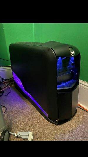 ALIENWARE AURORA TOWER CPU Beast of gaming machine INTEL Core i7 CPU 920 core @2.67ghz 6GB DDR 3 @ 1866Mhz NVIDIA GFORCE GTS 240 1Gb DDR5 G for Sale in Los Angeles, CA