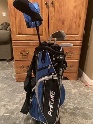 Youth Golf Clubs & Bag for Sale in Elgin, IL