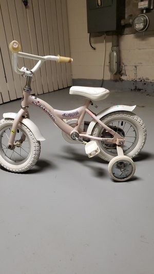Toddler girl bike for Sale in Fairlawn, OH