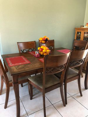 Dinning Room table and chairs 7pc wooden set for Sale in Long Beach, CA