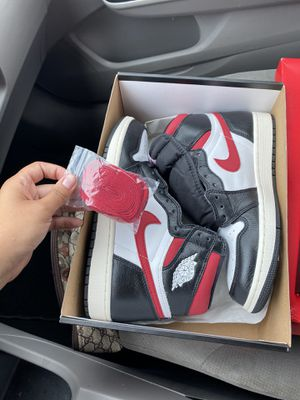 Air Jordan Retro 1 Gym Red for Sale in Meriden, CT