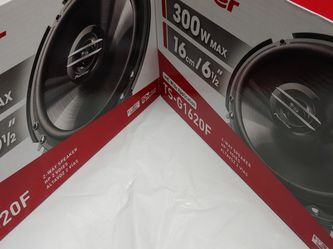 2 Pairs Pioneer 6.5 inch 2 way 300 watts Car Speakers for Sale in Commerce,  CA