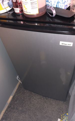Mini fridge with freezer, Magic chef for Sale in West Valley City, UT