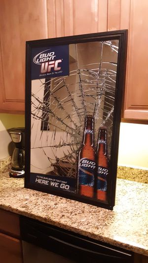 BUD LIGHT UFC OFFICAL COLLECTORS EDITION MIRROR for Sale in Washington, DC