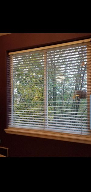 "1 1/2"" White Plantation blind for Sale in Puyallup, WA"