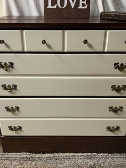 Small Dresser for Sale in Oregon City,  OR