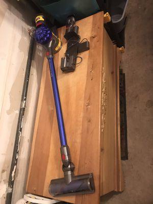 Dyson Moterhead V7 Cordless Vacuum for Sale in Lynnwood, WA