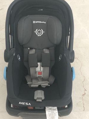 Mesa UppaBaby Car seat and base for Sale in Hobe Sound, FL